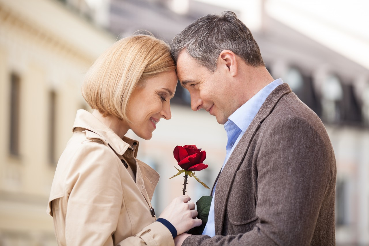 women dating older men The truth about older men & younger women the first thought that comes to many women's minds when they think of older men dating younger women is that men.